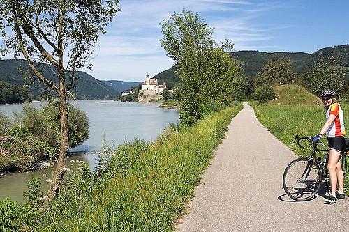 A Duna menti kerékpárút elképesztő kalandokat rejt