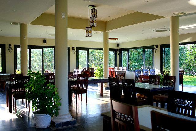 A Kisduna étterem megnyerő jellege