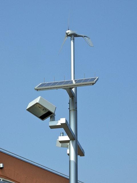A napelemes közvilágítás költséghatékony megoldás